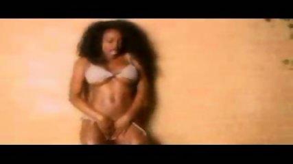 Black hot Mamma dancing - scene 10