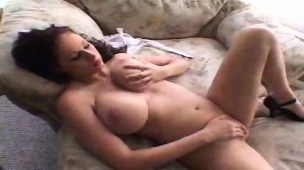 Gianna Michaels fucked by black Stud - scene 2