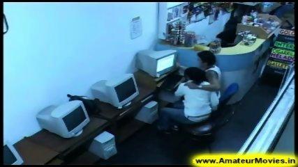Amateur - Brasilian couple in internet cafe - scene 2