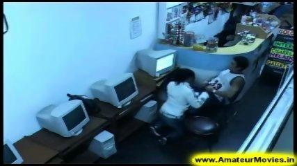 Amateur - Brasilian couple in internet cafe - scene 3