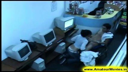 Amateur - Brasilian couple in internet cafe - scene 7