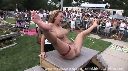 Naked Chicks - scene 3