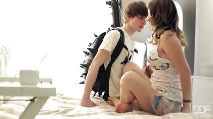 Young Babe Makes Love With Her Boyfriend - scene 2
