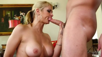 Jizz On Sarah Vandella's Face