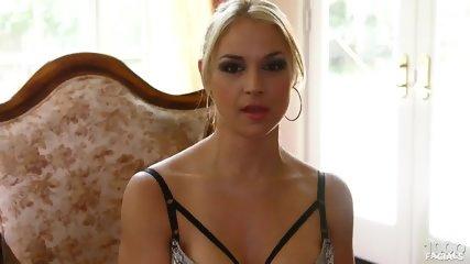 Jizz On Sarah Vandella's Face - scene 2