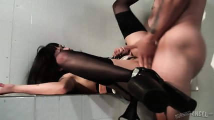 Vulgar Anal Sex With Brunette Whore - scene 5