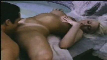 Wife cheating with Fitnesscoach - scene 9