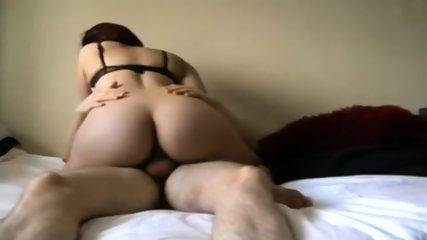 So Sexy Amateur Booty Has Sex On Bed - scene 1