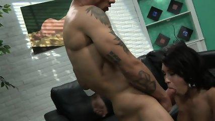 Hardcore Sex On Black Leather Sofa - scene 4