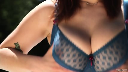 Busty Redhead Fucked In Throat - scene 2