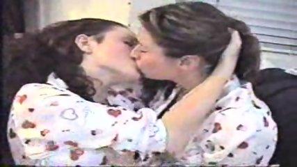 Long lesbian Kiss - scene 9