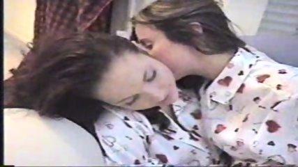 Long lesbian Kiss - scene 1