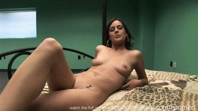 Cool Slut Gets Naked
