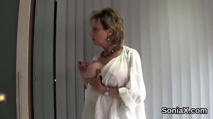 Unfaithful english mature lady sonia reveals her monster puppies