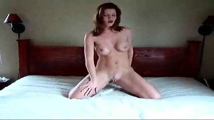 Sexy Woman swaying in Bed - scene 8