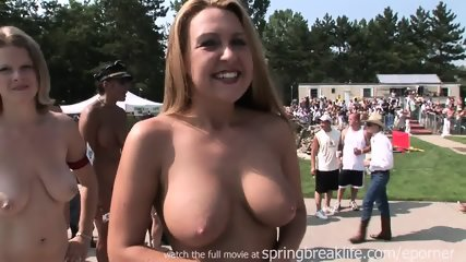 26 Naked Girls