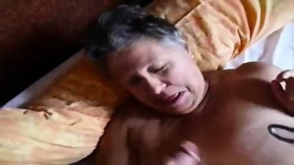 Homeamde Video Granny Gives A Head - scene 11