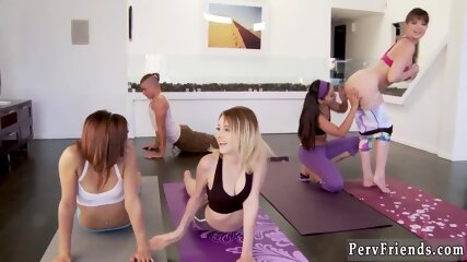 Teen shows off her ass The class begins and these 4 gals are in very killer yoga pants