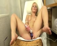 Czech Blonde Opening Hole Hole Hard - scene 11