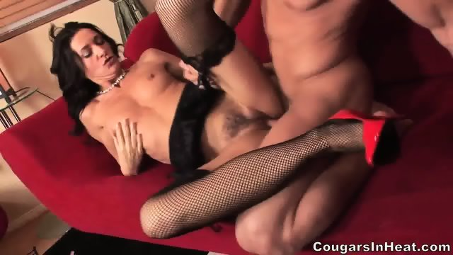 Horny Mommy With Stockings And Red Heels