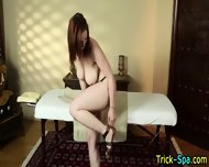 Babe Gets Oily Massage - scene 4