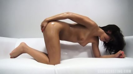 Sexy Oiled Body Of Amateur Zuzana