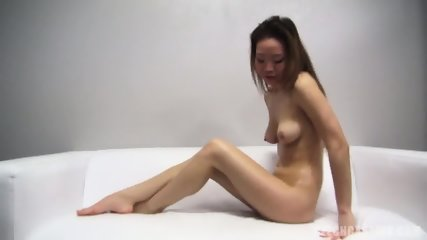 Asian Amateur Takes Off Sexy Lingerie - scene 11