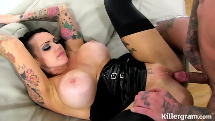 Hot Inked Fuck Doll In Action