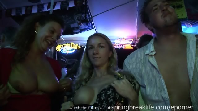Hotties Flashing In A Bar