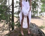Stunning Girl Shows Her Body - scene 3