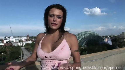 Spread Pussy Broad Daylight - scene 3