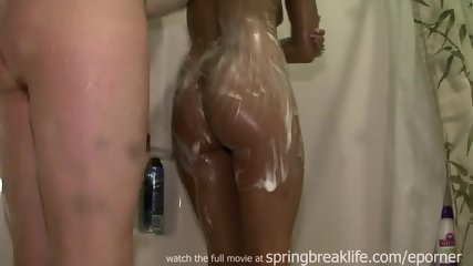 2 Girl Shower - scene 9