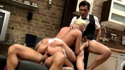 Blonde Lady Gets Double Penetration - scene 10