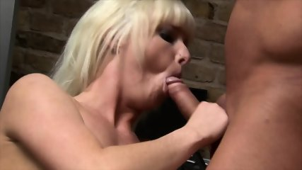 Blonde Lady Gets Double Penetration - scene 5
