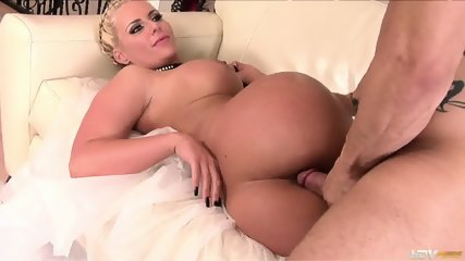 Blonde With Nice Tits And Tight Ass - Phoenix Marie - scene 9