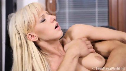 Guy Fucks His Alluring Girlfriend - scene 11