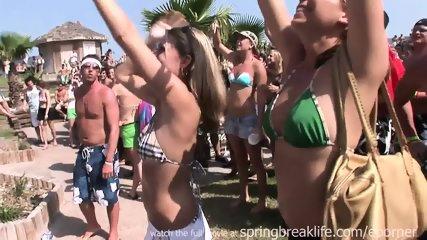 Bikni Beach Bash - scene 3