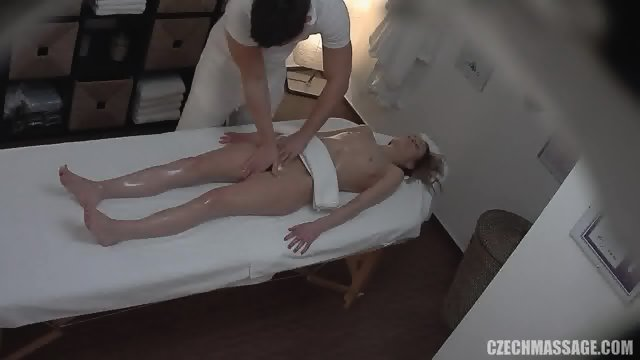 Amateur Girl Gets Pussy And Tits Massage