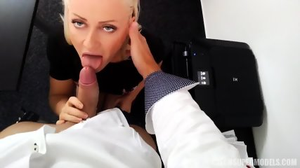 Sexy Model Gets Banged From Behind