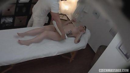 Amateur Brunette Gets Pussy Massage - scene 5