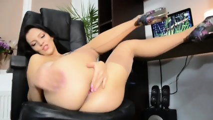 Solo Action In The Office - scene 7