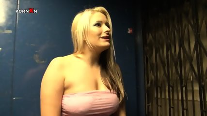 Big Things In Her Cunt - scene 1