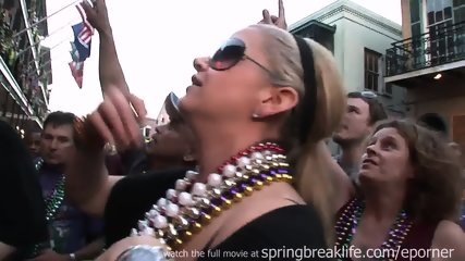 Flashing At Mardi Gras - scene 2