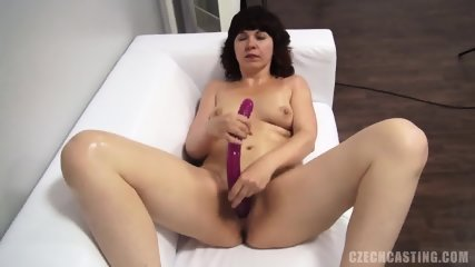 Dildo In Amateur Woman's Pussy - scene 11