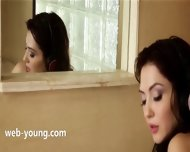 Brunette Toying Her Cunt In Bathroom - scene 7