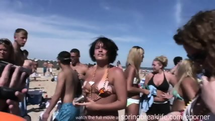 Hot Girls Flashing On The Beach - scene 11