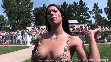 Hot Girl In Chains - scene 10