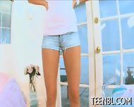 Crumbling To Babes Lusty Fellatio - scene 4
