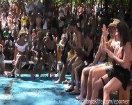 Wet Bikini Booty Shake - scene 11