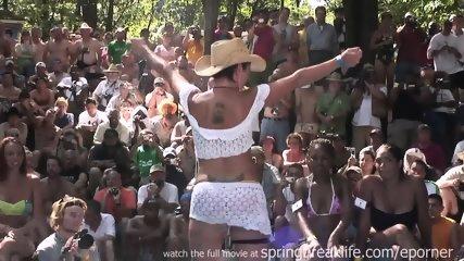 Wet Bikini Booty Shake - scene 7